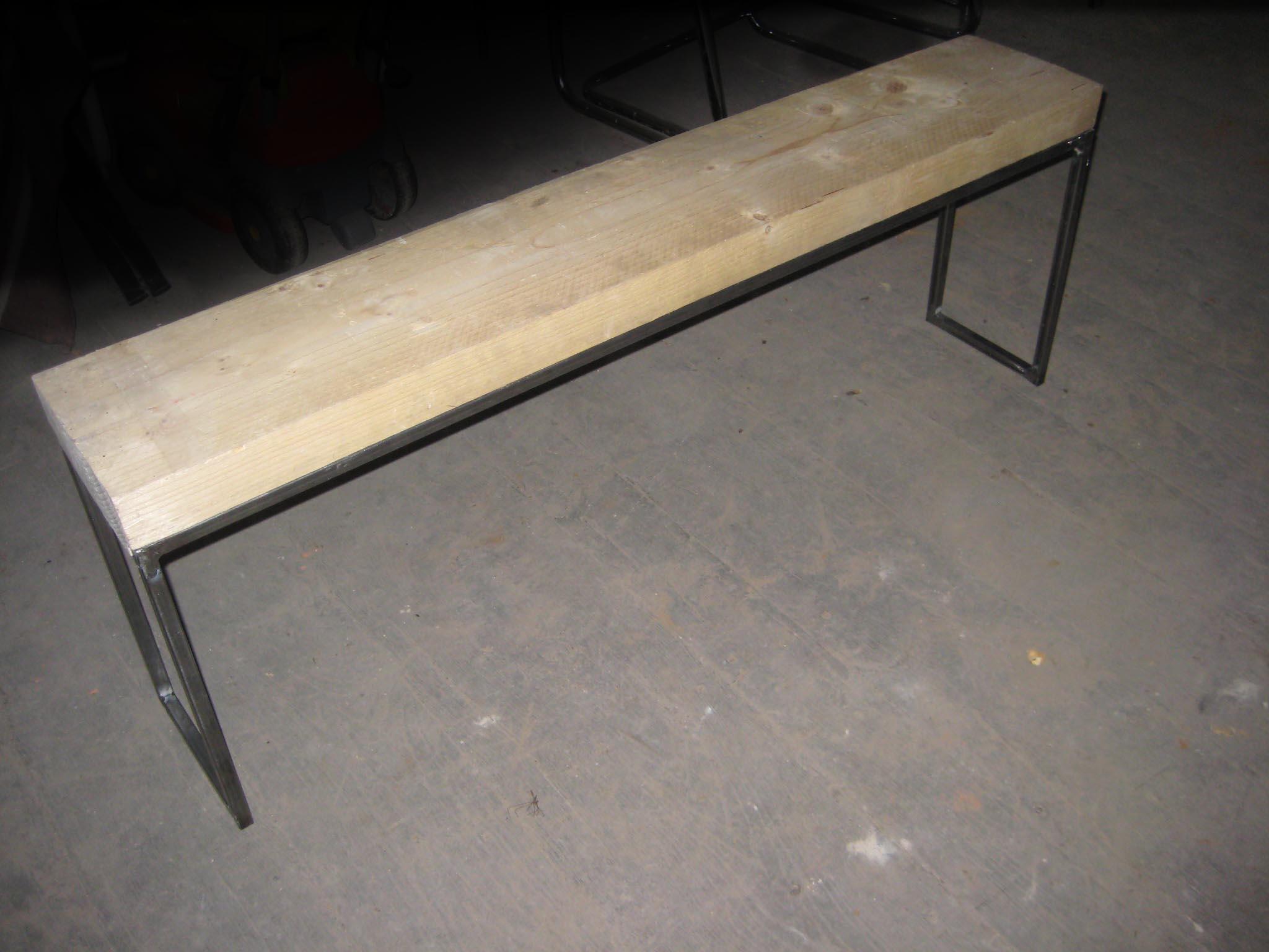 dimension bastaing bois. Black Bedroom Furniture Sets. Home Design Ideas